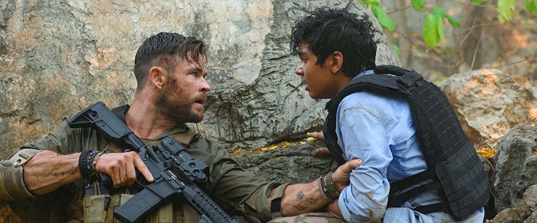 Netflix Extraction Review Stream Chris Hemsworth Killing People