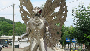 West_Virginians_Replacing_Confederate_Statues_with_Mothman